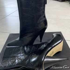 Kenneth Cole Leather Boots. Size 7.5 for Sale in Deerfield Beach, FL