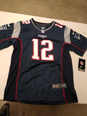 "NFL Tom Brady Patriots ""on field "" stitched jersey (Youth M/10/12) brand new with tags retail $55-$74 .. I'm only asking $40 for Sale in York, PA"
