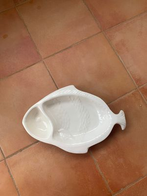 White Kitchen Bowl Appetizer Bowl / Fish Shape /Made in the USA for Sale in Los Angeles, CA