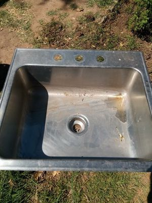 Sink 25Lx 22w for Sale in Phoenix, AZ