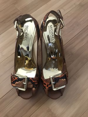 Michael Kors snakeskin design heels size 7 1/2 for Sale in Creve Coeur, MO