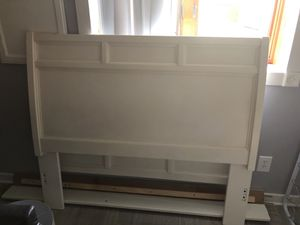 Bed frame for Sale in WDM, IA