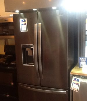 New open box whirlpool counter depth refrigerator WRF954CIHV for Sale in Hawthorne, CA