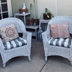 Wicker Patio Chairs With Cushions And Pillows for Sale in Phoenix, AZ