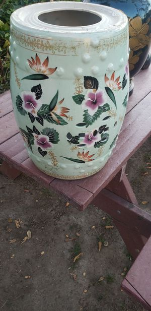 ANTIQUE FLOWER POT for Sale in Los Angeles, CA
