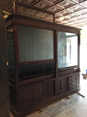 Antique display cabinet. for Sale in Dallas, TX