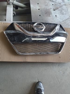 2019 Nissan Maxima L headlight and grille for Sale in Essex, MD