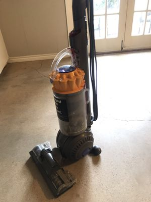 Dyson Ball Animal Vacuum for Sale in Dallas, TX