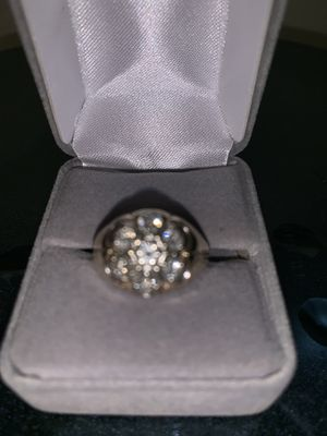 14KT Gold 1ctw Diamond honeycomb cluster Ring for Sale in Vancouver, WA