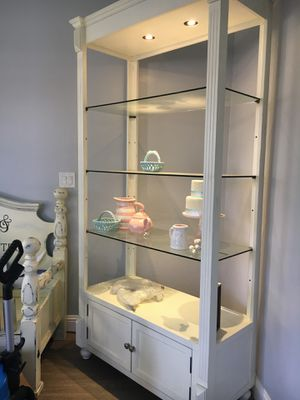 Beautiful 8' tall lighted display cabinet for Sale in Bakersfield, CA