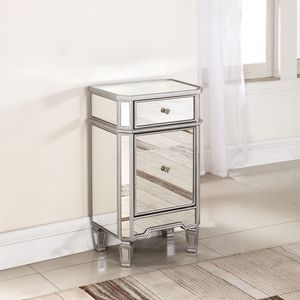 Mirrored night stands/ end table for Sale in Oakland, CA