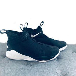 Nike lebron James 10 black white size 11.5 men's for Sale in Norco, CA
