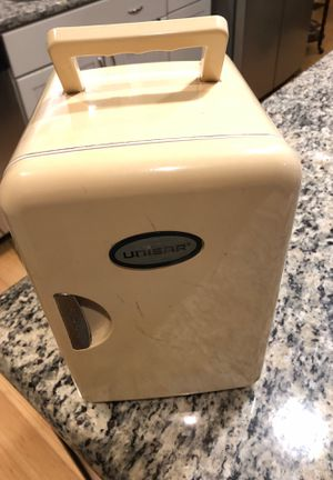 Unisar Portable Mini Fridge for Sale in Raleigh, NC