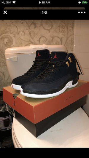 Jordan 12 IV gold / black for Sale in Carrollton, TX
