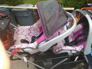 Baby trend double stroller and 2 car seats with car bases for Sale in Columbus, OH