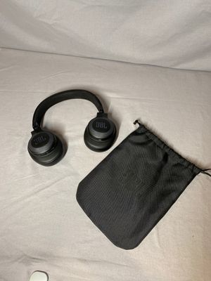 JBL Bluetooth Noice Cancelling Headphones for Sale in Weston, MA