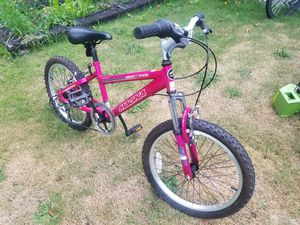 Magna 20 inch 6speed girls bike for Sale in Gresham, OR