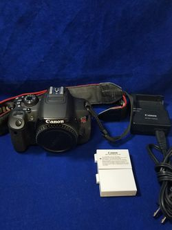 Canon EOS Rebel T5i DSLR Camera Body with 2 Extra Batteries and Charger for Sale in Marietta,  GA