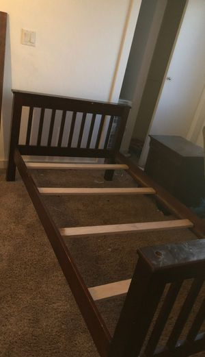 Single bed and night stand for Sale in Edmonds, WA