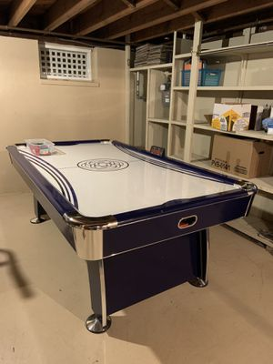 Air hockey table for Sale in Secaucus, NJ