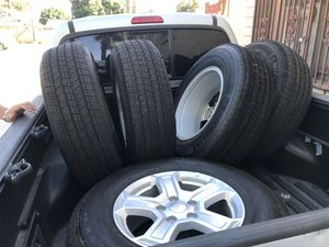 Jeep Wrangler wheel and tires Michelin for Sale in Riverside, CA