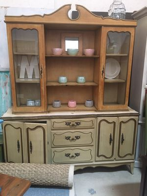 Beautiful Vintage dresser buffet and hutch for Sale in Miami, FL