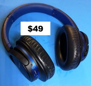 New Sony Bluetooth Wireless Headphones with microphone and Extra Bass for Sale in Richardson, TX