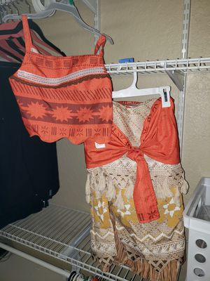 Disney store Moana costume size 7/8 brand new without tags. Never worn for Sale in Parkland, FL