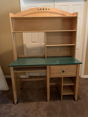 ***FREE*** 2 Student desks exactly the same both great condition. for Sale in Seminole, FL