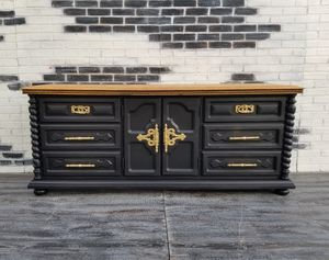 Farmhouse/ Cottage. Dresser .9 drawers. Black/gold/maple for Sale in Westchester, CA