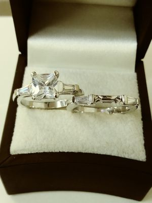 New with tag Solid 925 Sterling Silver ENGAGEMENT WEDDING Ring Set size 5 $150 OR BEST OFFER for Sale in Paradise Valley, AZ