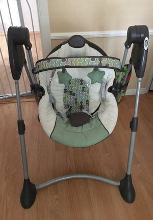 Graco baby swing for sale for Sale in Santa Monica, CA