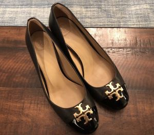 Almost new Tory Burch cap toe heeled black shoes size 9 for Sale in Mill Creek, WA