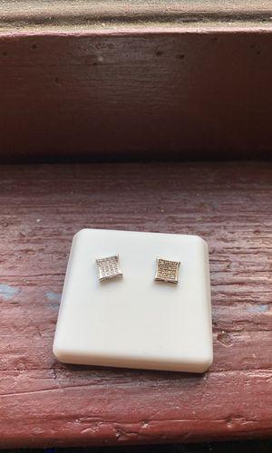 Little Diamond earring for Sale in Milwaukee, WI