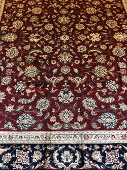 Hand knotted silk /wool very Fine Sino-Persian Rug 8' x 10' perfect for Sale in Alpharetta,  GA