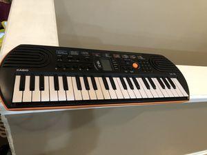 Casio mini keyboard machine for Sale in Chicago, IL