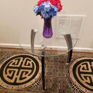 Side Table for Sale in Woodbridge, VA