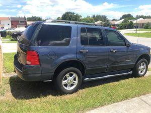 2004 Ford Explorer xlt for Sale in Orlando, FL