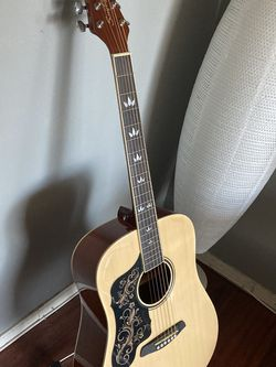 Acoustic Guitar for Sale in Los Angeles,  CA