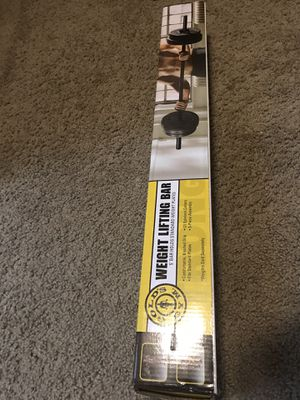 Weight lifting 5' bar - Gold gym Equipment for Sale in Kirkland, WA