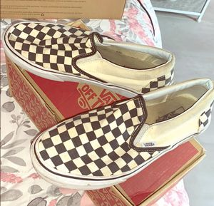 USED VANS CLASSIC SLIP ON MENS SZ 7. WOMENS SZ 8.5 for Sale in Staten Island, NY