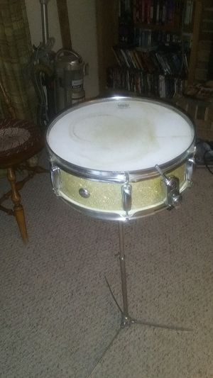 Snare drum with stand for Sale in Imperial, MO