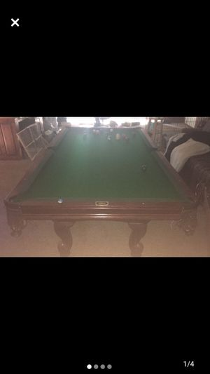 BEAUTIFUL LEISURE BAY BILLIARDS 8 ft pool table for Sale in Raleigh, NC