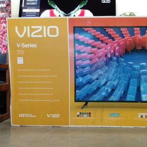 """70"""" VIZIO UHD HDR SMART TV for Sale in Riverside, CA"""