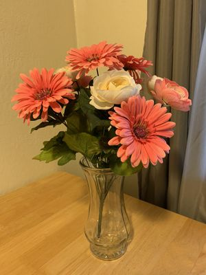 Artificial flowers in a vase for Sale in Sacramento, CA