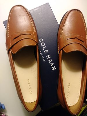 Women's COLE HAAN leather loafers. Size 10. Brand New in original box! for Sale in Atlanta, GA