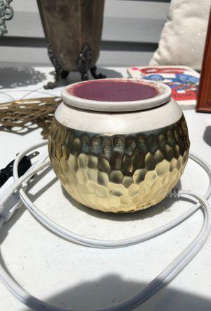 Morden gold scentsy Warner for Sale in Norfolk, VA