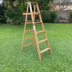 Werner 6 Foot Wood Ladder for Sale in Whittier, CA