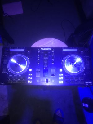 Numark DJ CONTROLLER for Sale in Sharon Hill, PA