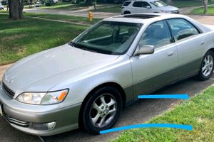 2001 Lexus ES300 $1,000 for Sale in Des Moines, IA